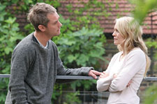 Jude Law and Robin Wright Penn in Breaking and Entering