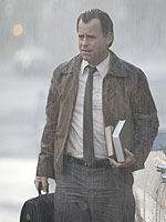 Greg Kinnear in Flash of Genius