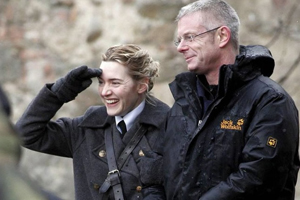 Kate Winslet and Stephen Daldry on the set of The Reader