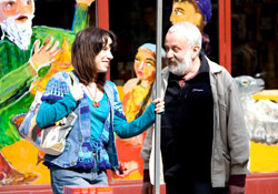Sally Hawkins and Mike Leigh on the set of Happy-Go-Lucky
