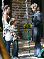 (from left) Kate Beckinsale and Vera Farmiga in Nothing But the Truth