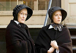 (from left) Meryl Streep and Amy Adams in Doubt